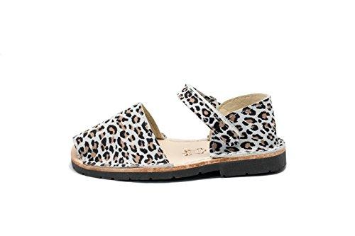 553N – Frailera Style Animal Prints – Leopard – 25 (US 9)